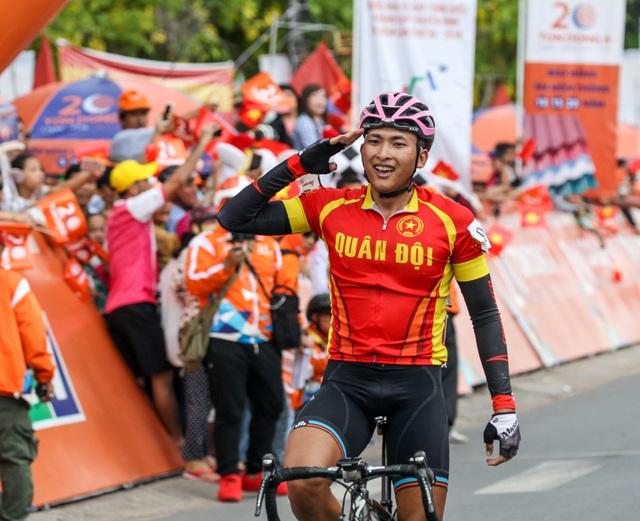 Nguyễn Huỳnh Phú Lộc cán đích đầu tiên tại Vĩnh Long