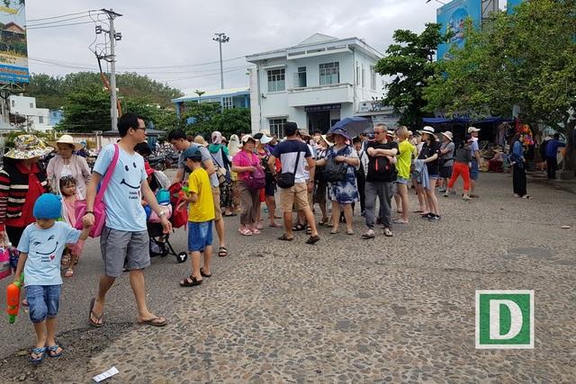 Nha Trang: Bãi xe quá tải vì khách Trung Quốc tăng mạnh, khách Nga phục hồi - 5