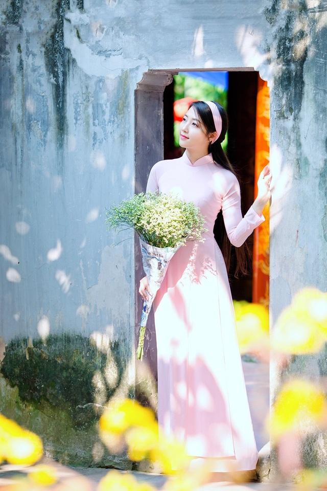 Vẻ đẹp dịu dàng của cô gái Hà thành trong những ngày nắng nhẹ - 10