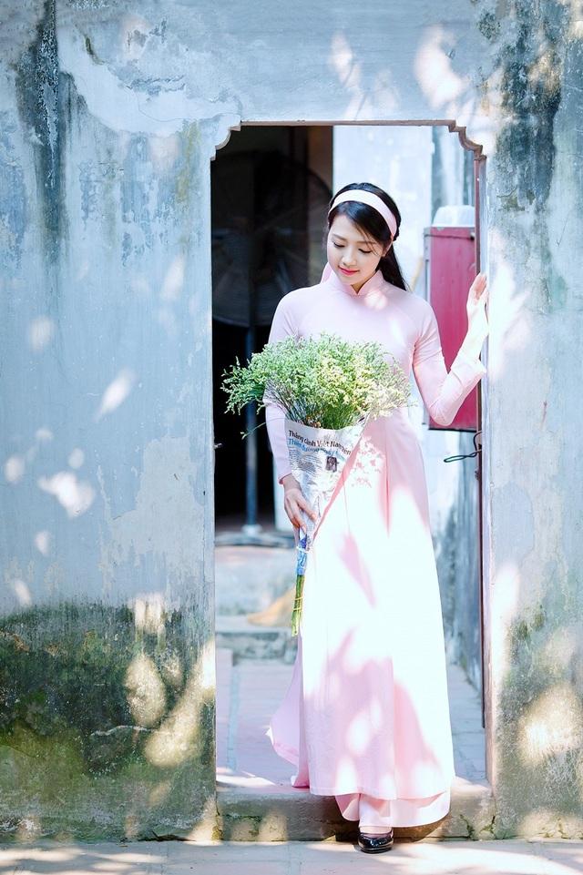 Vẻ đẹp dịu dàng của cô gái Hà thành trong những ngày nắng nhẹ - 11