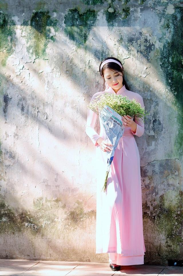 Vẻ đẹp dịu dàng của cô gái Hà thành trong những ngày nắng nhẹ - 12