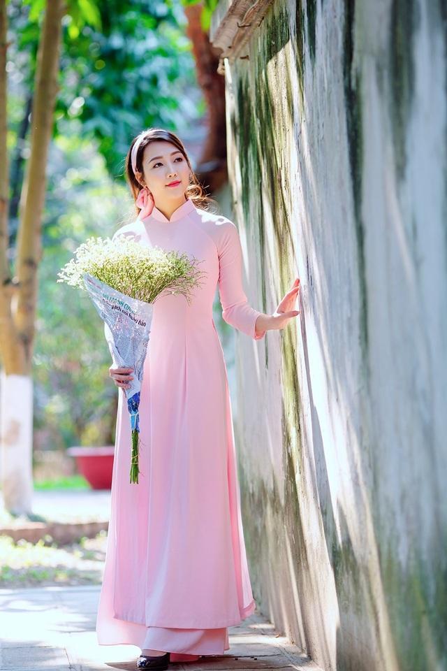 Vẻ đẹp dịu dàng của cô gái Hà thành trong những ngày nắng nhẹ - 14