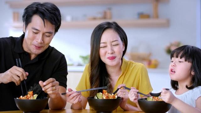 Vị chua cay đậm đà hương vị Việt - 1