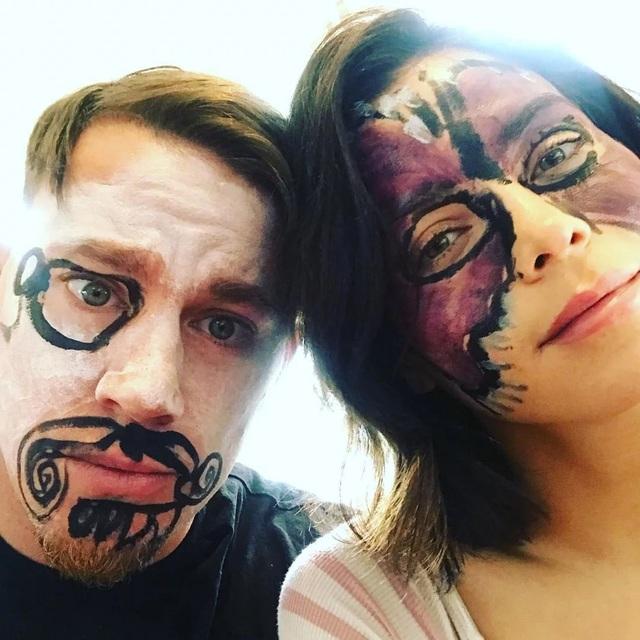 Tháng 3/2018, Channing Tatum và Jenna Dewan Tatum còn chụp ảnh tình tứ như thế này trên mạng xã hội.