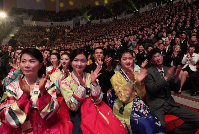 Đây là chương trình biểu diễn cuối cùng của đoàn nghệ thuật Hàn Quốc trong chuyến thăm Triều Tiên lần này. Lần gần đây nhất một đoàn nghệ thuật của Hàn Quốc biểu diễn tại Bình Nhưỡng là vào năm 2005. (Ảnh: Reuters)