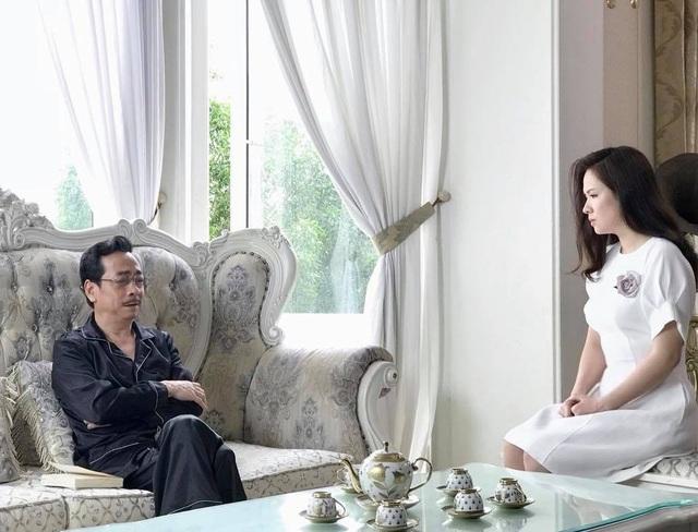 Cảnh của Diễm My với ông trùm Phan Quân.