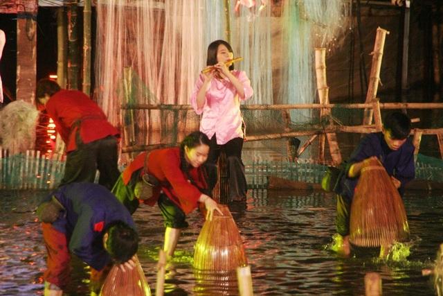 Đời sống thảnh thơi người dân trên sông Hương