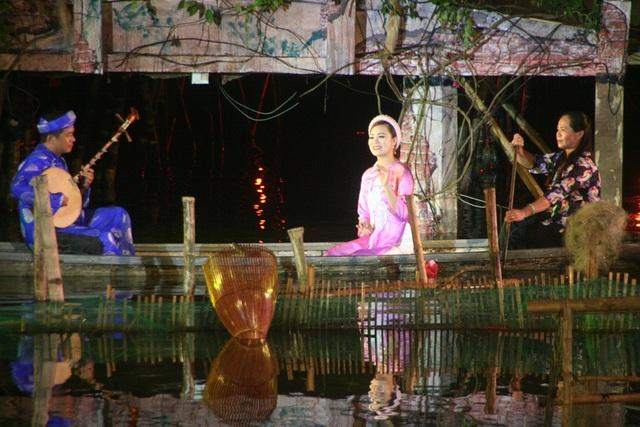 Ngâm khúc ca Huế trên dòng Hương Giang