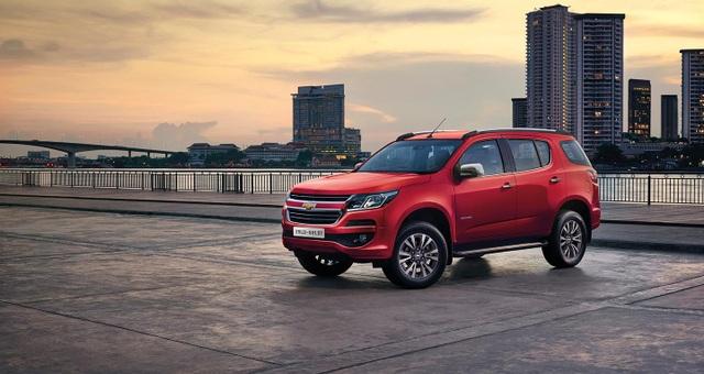 """Thị trường ô tô phân khúc SUV 7 chỗ thêm """"nóng"""" khi mẫu xe mới Chevrolet Trailblazer nhập khẩu nguyên chiếc từ Thái Lan về nước."""