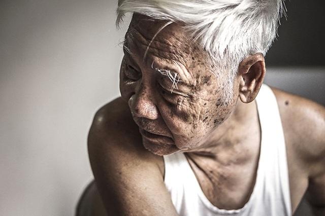 Ông của nữ nhiếp ảnh gia Hạ My hiện 87 tuổi.