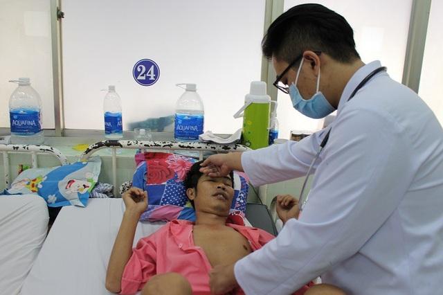 BS Hữu Tường cho biết, nếu không phẫu thuật bệnh nhân sẽ đột tử bất kỳ lúc nào