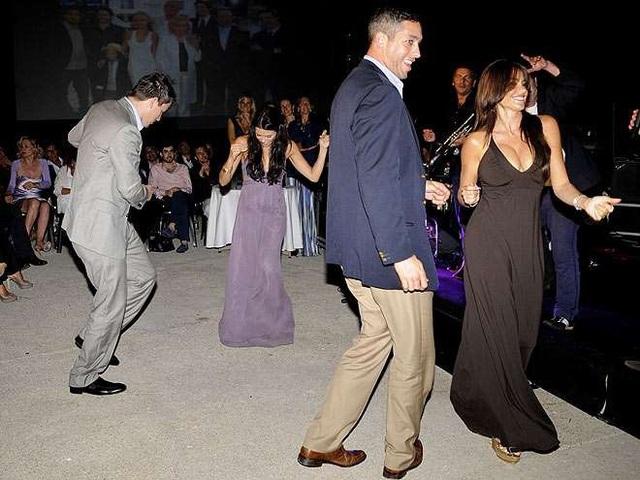 Một năm sau đám cưới, cặp đôi tổ chức lễ kỷ niệm 1 năm ngày cưới với sự góp mặt của bạn bè trong làng giải trí ở Ý, tháng 11/2010.