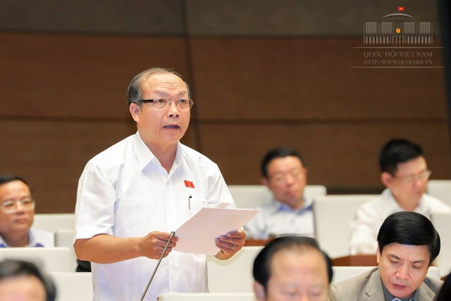 Đại biểu Đinh Duy Vượt cho rằng, vụ án đường dây đánh bạc vừa được phát giác cho thấy tình trạng khép kín trong lực lượng chống tội phạm mạng
