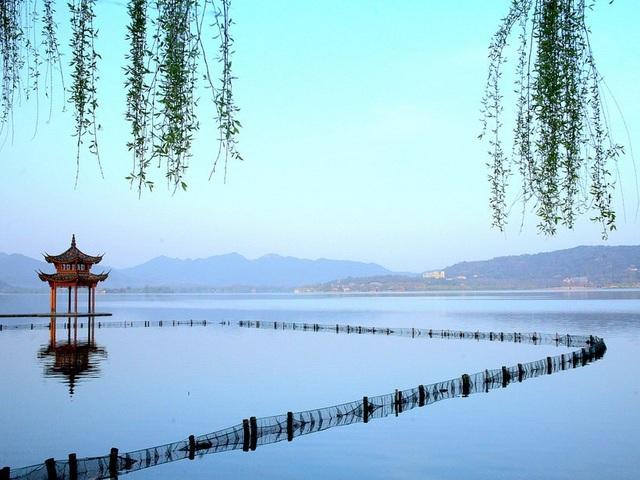 15 hồ có vẻ đẹp hút hồn nhất thế giới - 7