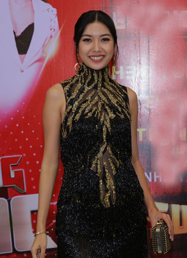 """Ngoài ra, Á hậu Thúy Vân là cái tên được nhà sản xuất """"chọn mặt gửi vàng"""" cho vị trí MC."""
