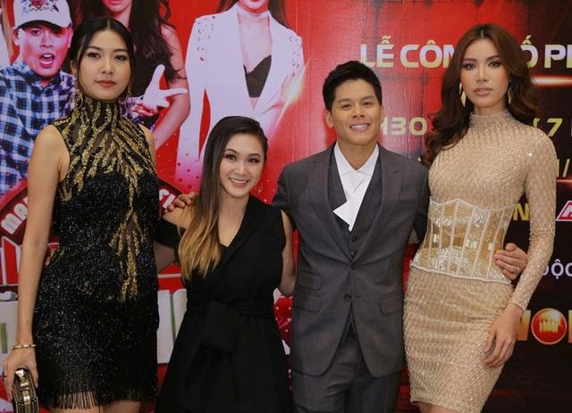 Đặc biệt trên ghế nóng của chương trình còn có sự xuất hiện của Gemma Nguyễn chuyên gia võ thuật người Mỹ gốc Việt nổi tiếng thế giới cùng siêu mẫu Minh Tú và biên đạo múa John Huy Trần.