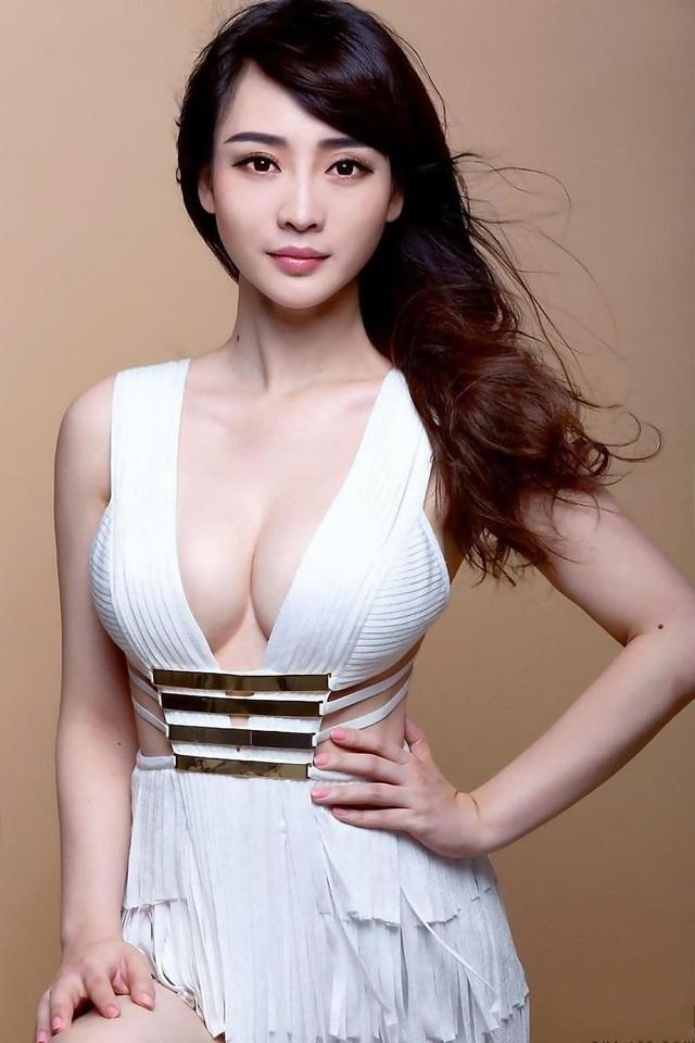 Nữ diễn viên Liễu Nham (37 tuổi) từng là y tá.