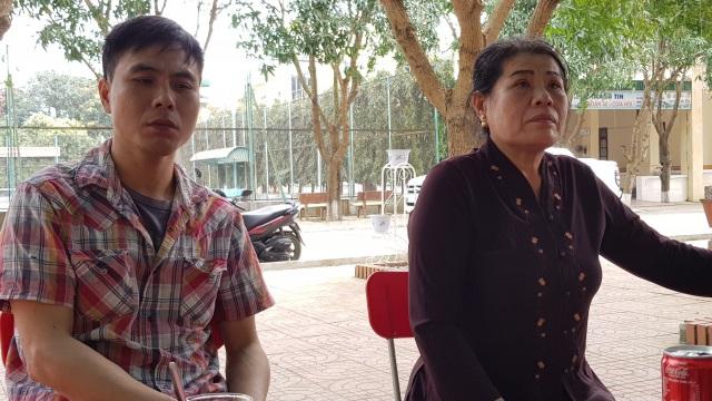 Mẹ con bà Nguyệt vẫn chưa hết bức xúc sự việc xảy ra cách đây gần 2 tháng.