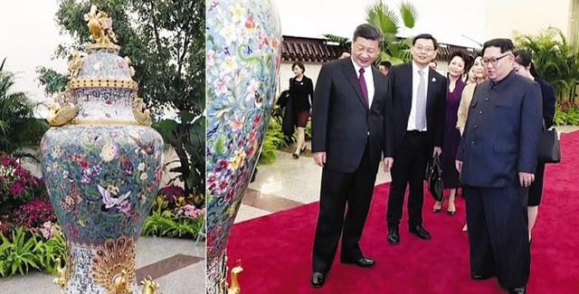 Chủ tịch Tập Cận Bình tặng nhà lãnh đạo Kim Jong-un chiếc bình sứ nhân chuyến thăm tới Bắc Kinh (Ảnh: Chosun)