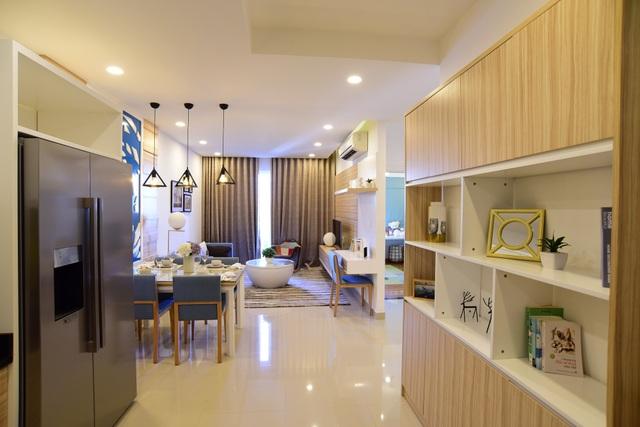 Carillon là dòng căn hộ tầm trung dành cho phân khác các gia đình trẻ - với nhu cầu ở thật có giá vừa túi tiền, tập trung tại các quận Tân Bình, Bình Tân và Tân Phú.