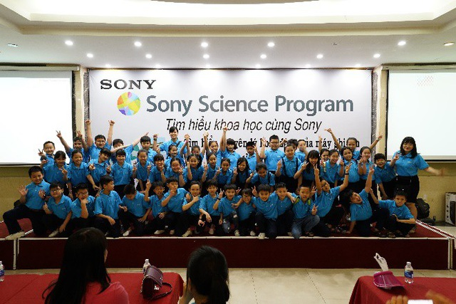Tìm hiểu khoa học cùng Sony đã trở thành hoạt động ngoại khóa thực hành hàng đầu dành cho học sinh tiểu học và THCS.