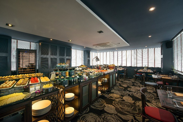 Nhà hàng The Gourmet Corner nằm trong Hanoi La Siesta Diamond Hotel & Spa níu chân du khách bởi nét quyến rũ khó quên