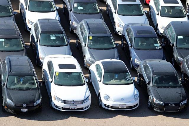 """Choáng với bãi chứa xe động cơ diesel """"lỗi"""" của Volkswagen - 3"""