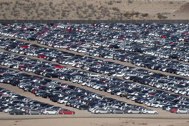"""Choáng với bãi chứa xe động cơ diesel """"lỗi"""" của Volkswagen - 5"""