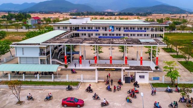 Trường THCS Đàm Quang Trung chất lượng và hiện đại
