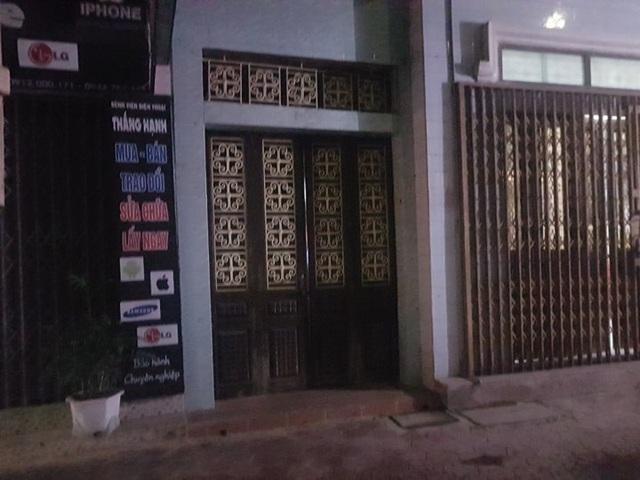Một cửa vào căn nhà của ông Vĩnh ở mặt đường Hùng Vương, TP.Nam Định