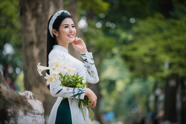 Thời gian qua, Hoa hậu đã nhiều lần trình diễn bộ sưu tập áo dài của tại các sự kiện trọng đại mang tầm vóc quốc tế như: tiệc chào mừng Hội nghị cấp cao APEC 2017, chương trình tại trụ sở UNESCO (Pháp), Festival làng nghề truyền thống Huế, Festival Áo dài...
