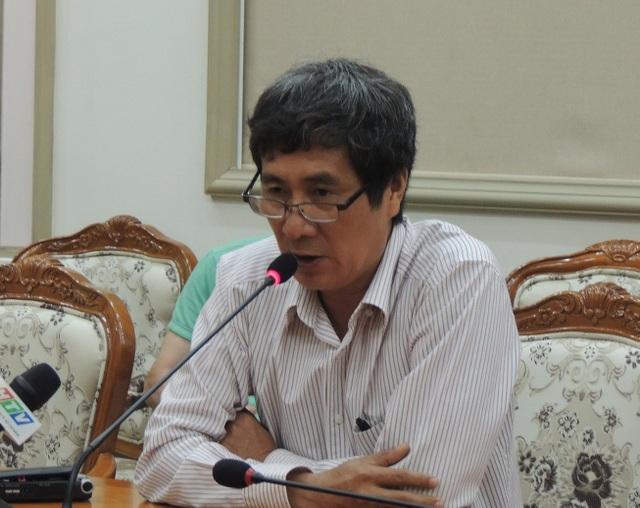 Thầy Bùi Minh Bình, hiệu trưởng Trường THPT Long Thới nhận trách nhiệm của mình về sự việc