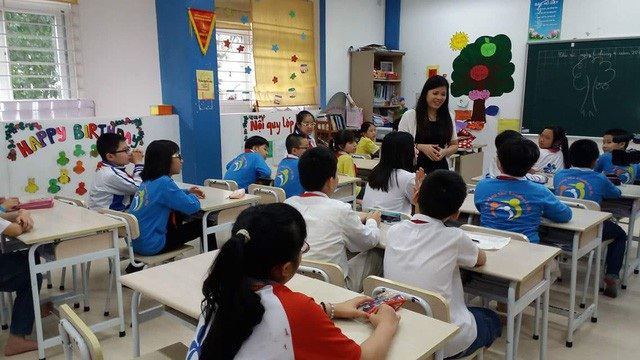 Ngoài việc giảng dạy, TS Vũ Thu Hương còn là chuyên gia được nhiều phụ huynh tìm đến giải đáp khi gặp phải khúc mắc trong giáo dục con cái. Ảnh: FBNV