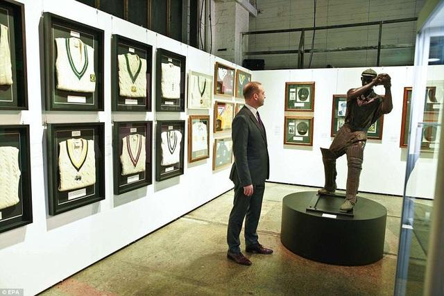 Russell Crowe có thú vui sưu tầm, những món đồ ông sở hữu qua năm tháng quả thực rất đa dạng.