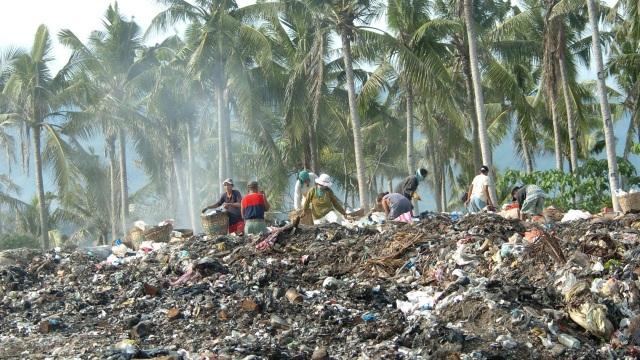 Chính phủ Philippines quyết định đóng cửa khu Boracay trong 6 tháng vì môi trường ô nhiễm (Ảnh: AFP)