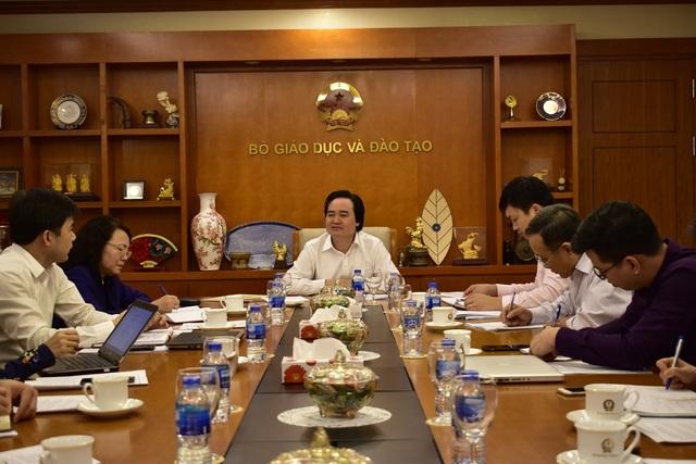 Bộ trưởng Phùng Xuân Nhạ: Phải thay đổi tư duy xây dựng quy tắc ứng xử trong trường học - 1