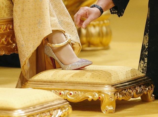 Choáng ngợp với sự xa hoa của những đám cưới hoàng gia tốn kém nhất lịch sử - 4