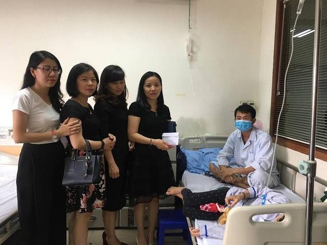 Anh đã nhận được nhiều sự hỗ trợ từ các nhà hảo tâm (Ảnh: Phòng CTXH bệnh viện).