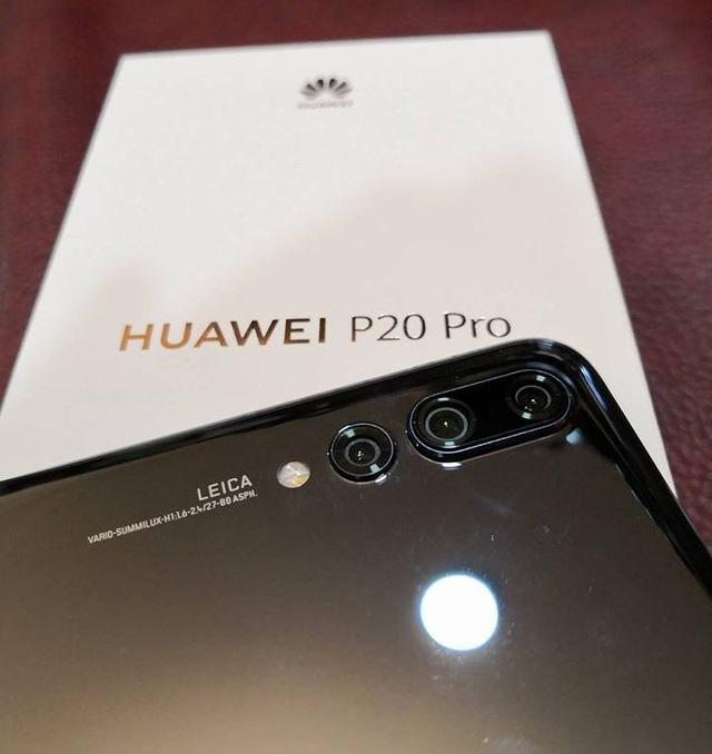"""Huawei P20 Pro với  3 camera """"khủng"""" được xách tay về Việt Nam - 6"""