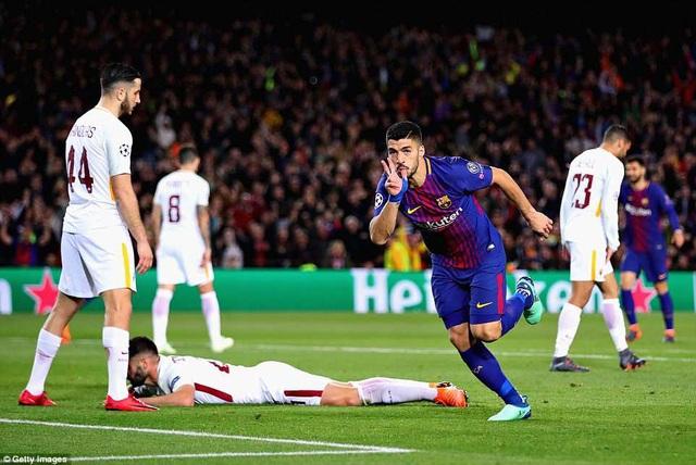 Luis Suarez ghi bàn ấn định thắng lợi 4-1 cho Barcelona ở lượt đi