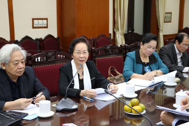 Chủ tịch Hội Khuyến học Việt Nam Nguyễn Thị Doan phát biểu.