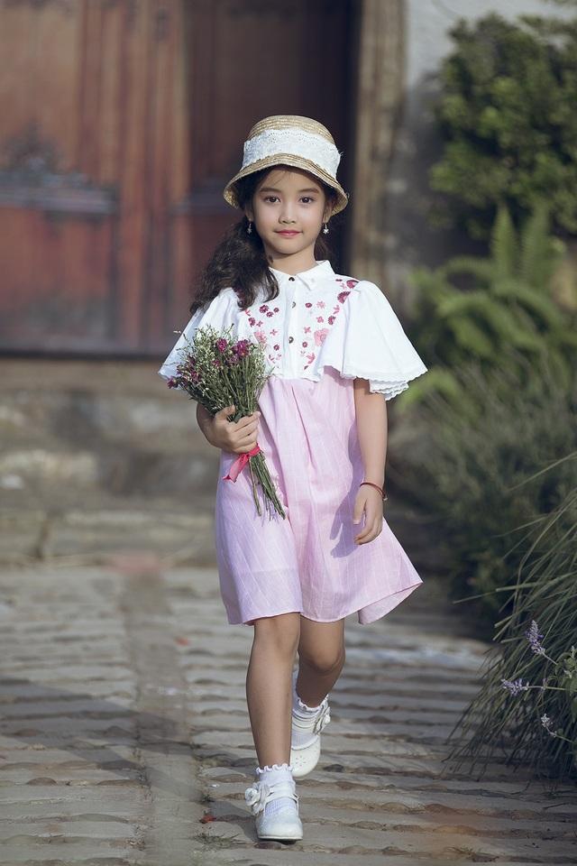MC Phan Anh lần đầu đưa cả vợ lẫn con lên sân khấu làm người mẫu - 11