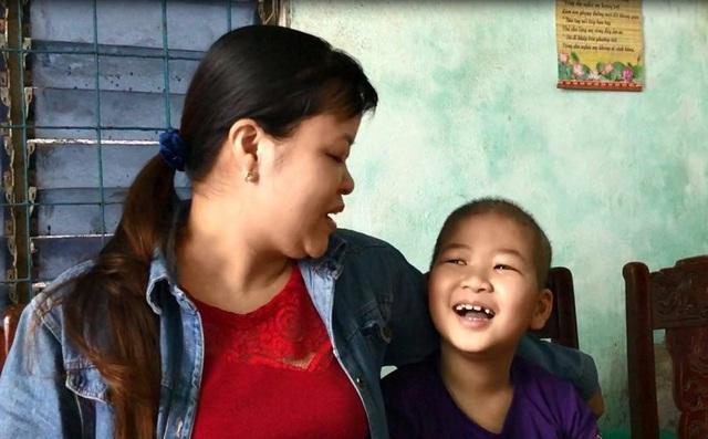 Bệnh của cháu Huy có hy vọng chạy chữa khỏi do được phát hiện sớm. Gia đình cầu cứu các nhà hảo tâm giúp gia đình có thêm động lực lo cho cháu