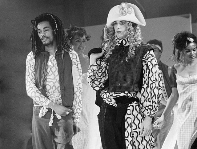 Năm 1984, Tuần lễ Thời trang London được khởi động lần đầu.