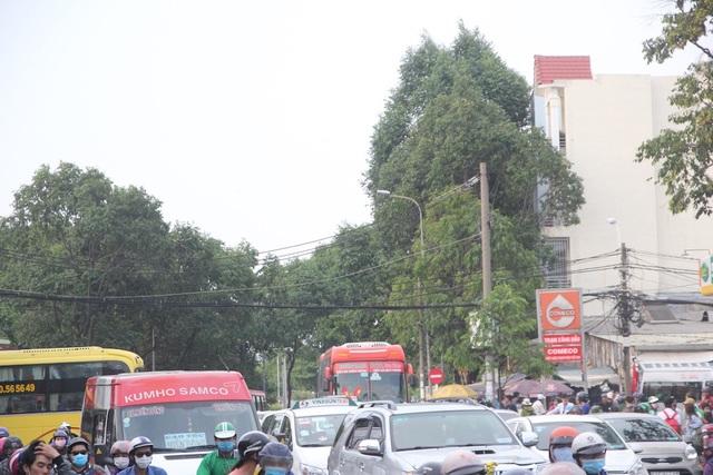 Mệt nhoài trở lại Sài Gòn trong tiết trời nóng bức - 3