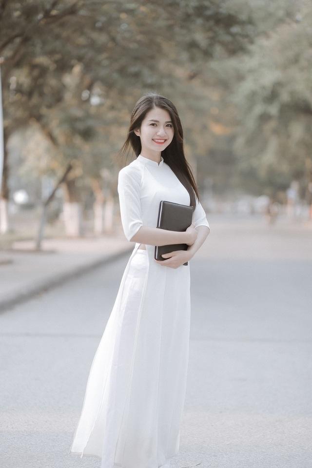 Lê Thị Bích gây thiện cảm cho người đối diện với gương mặt khả ái, nụ cười tươi và nét duyên đặc biệt của con gái xứ Nghệ.