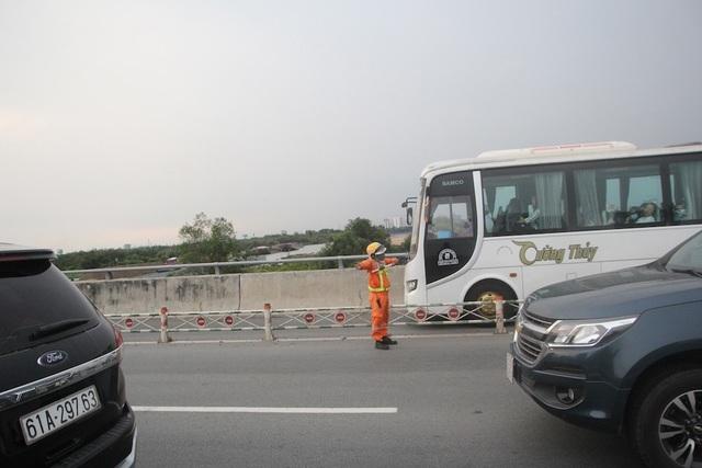 Mệt nhoài trở lại Sài Gòn trong tiết trời nóng bức - 9