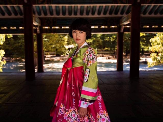 Nữ nhiếp ảnh gia đi khắp thế giới để ghi lại vẻ đẹp của người phụ nữ - 6