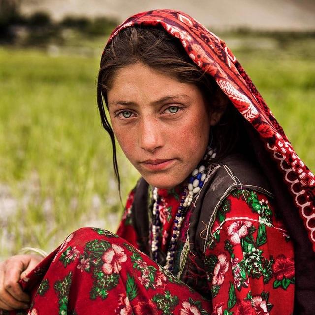 Nữ nhiếp ảnh gia đi khắp thế giới để ghi lại vẻ đẹp của người phụ nữ - 8