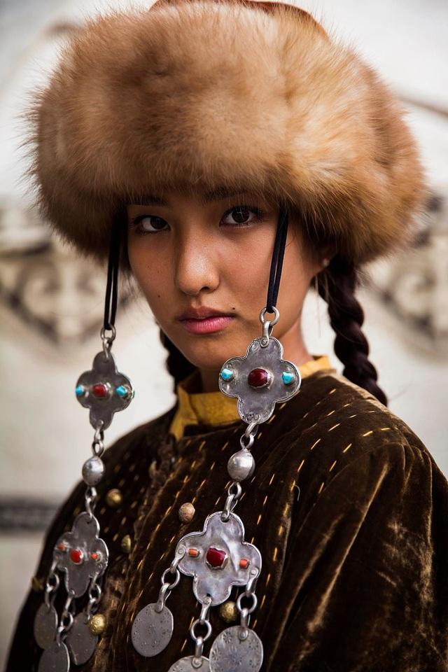 Nữ nhiếp ảnh gia đi khắp thế giới để ghi lại vẻ đẹp của người phụ nữ - 9